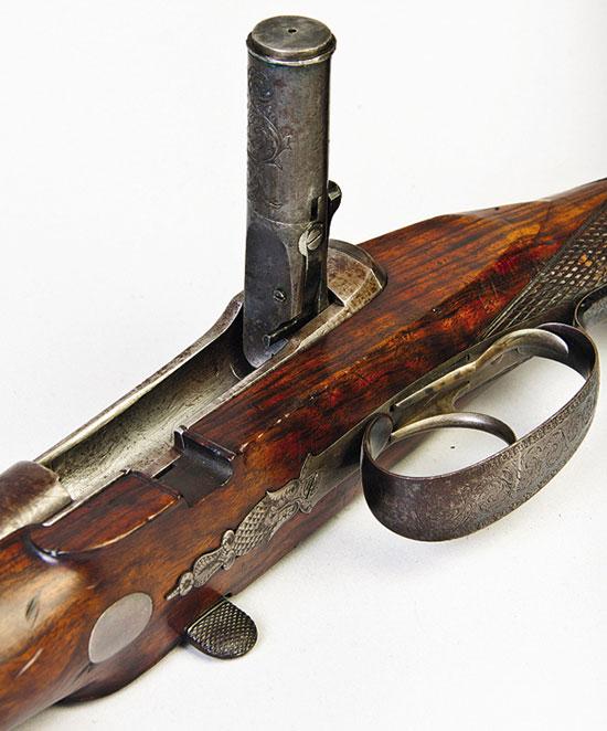Существенный недостаток штуцера — отсутствие экстрактора. Стреляную гильзу приходилось извлекать ножом или специальным крючком
