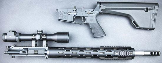 Для транспортировки и обслуживания винтовки AR-15 разбираются на две части— подобно классическим охотничьим «переломкам»