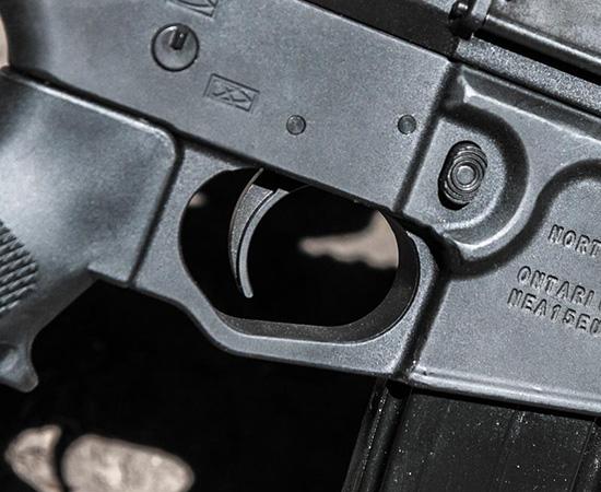 Спусковой механизм стандартный, по-армейски тяжелый — для исключения случайных выстрелов