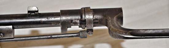 Длина винтовки системы «Бердан №2» спримкнутым штыком определялась  исходя из необходимости безопасного отражения сабельного удара  кавалериста.