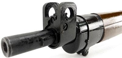 Вид на дульный срез и мушку винтовки No.4 Mk I